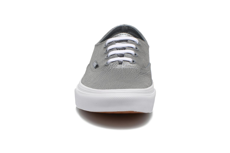 Sneaker Vans Authentic Decon W silber schuhe getragen