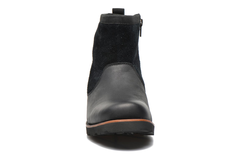 Bottines et boots UGG Hendren Noir vue portées chaussures