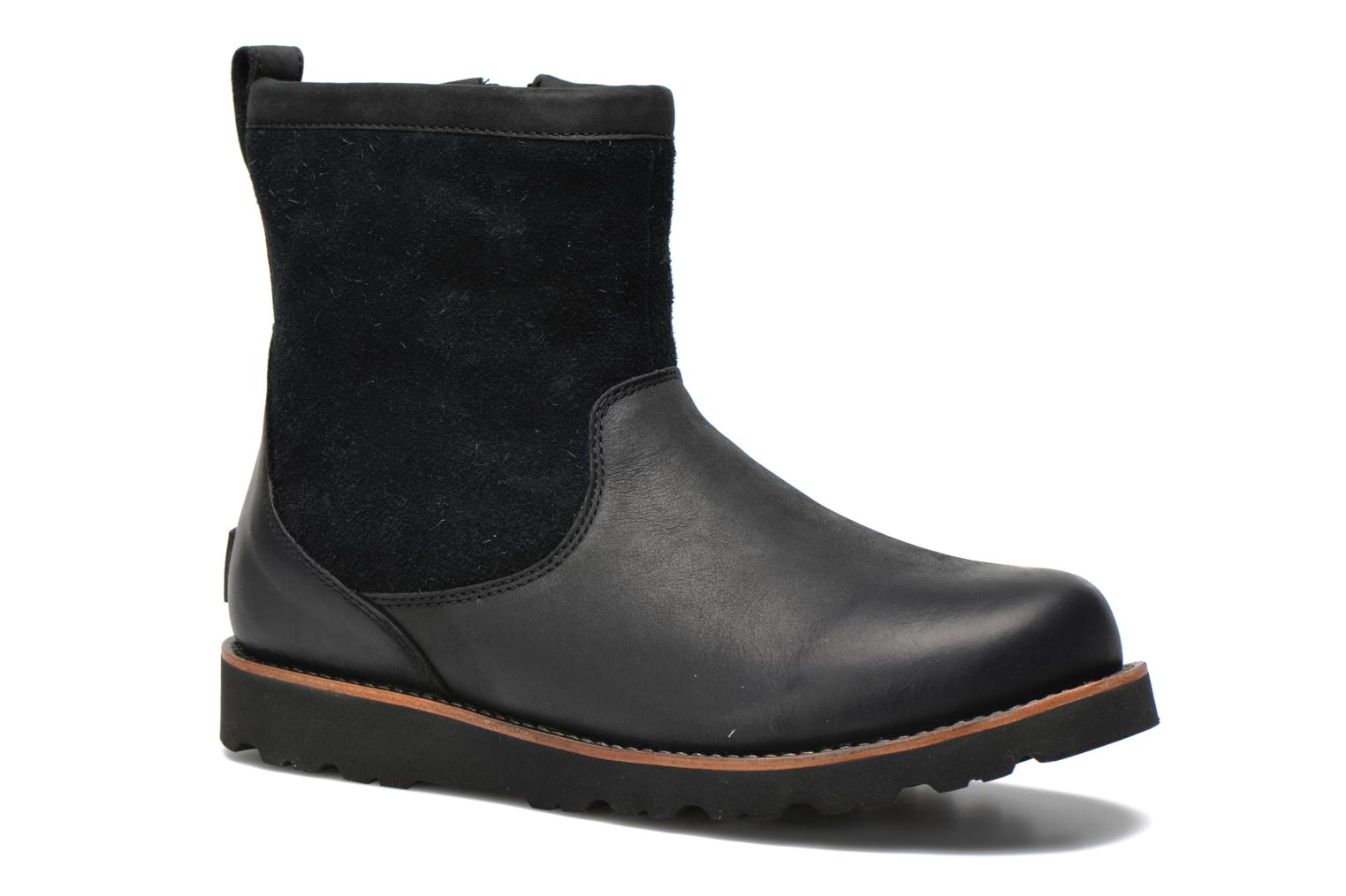 Ankle boots UGG Hendren Black detailed view/ Pair view