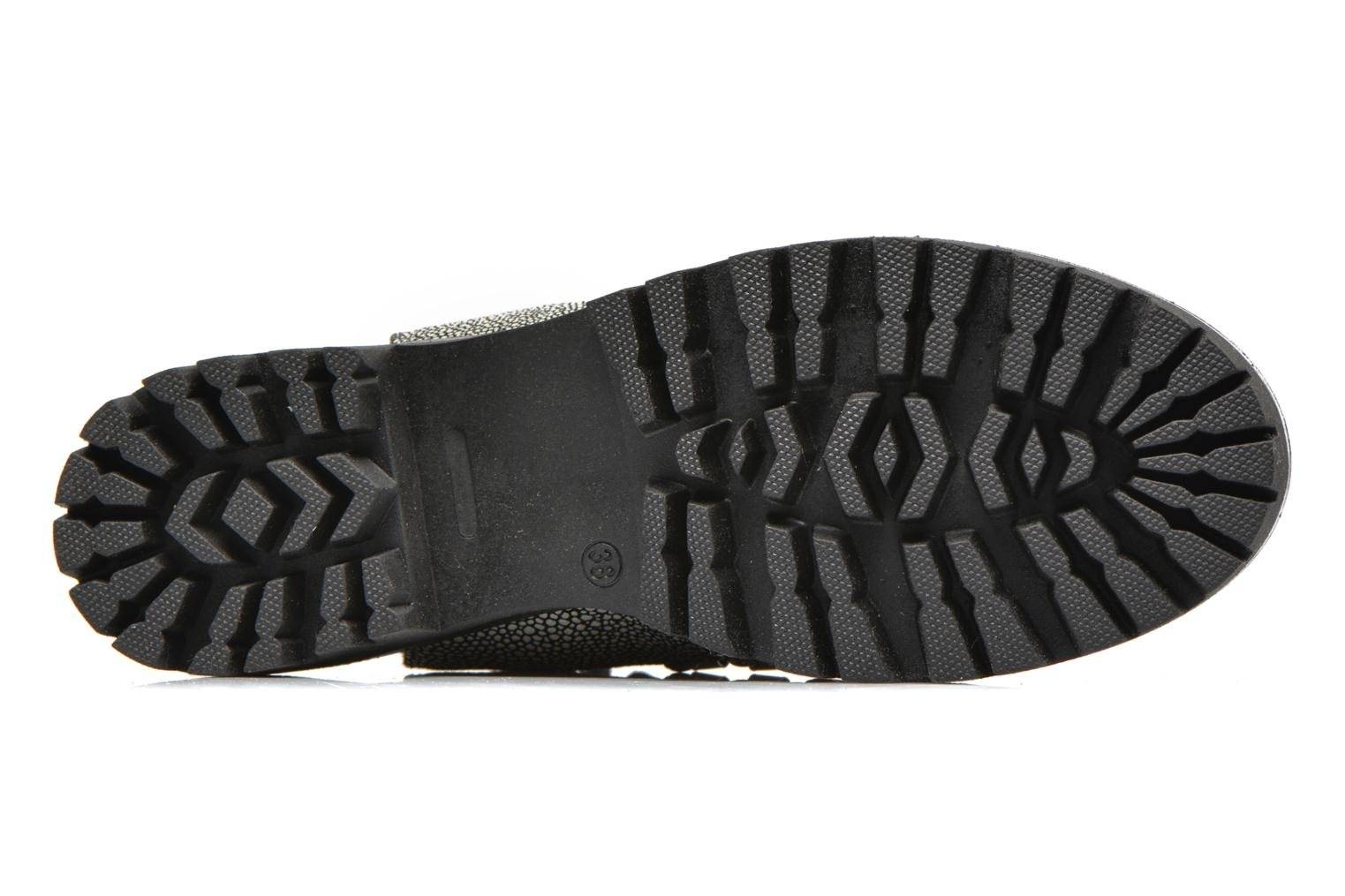 Tharp Stingray/Black sole