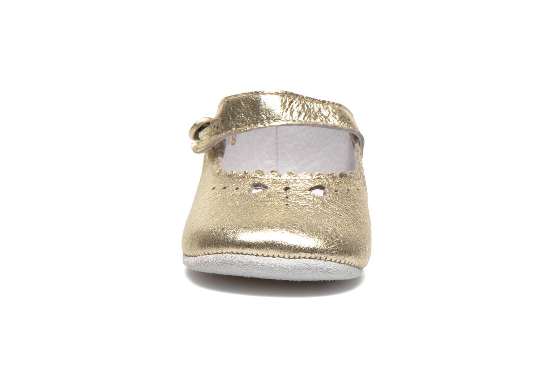 Chaussons Start Rite Baby Elizabeth Or et bronze vue portées chaussures