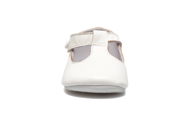 Tofflor Start Rite Baby Edward Vit bild av skorna på