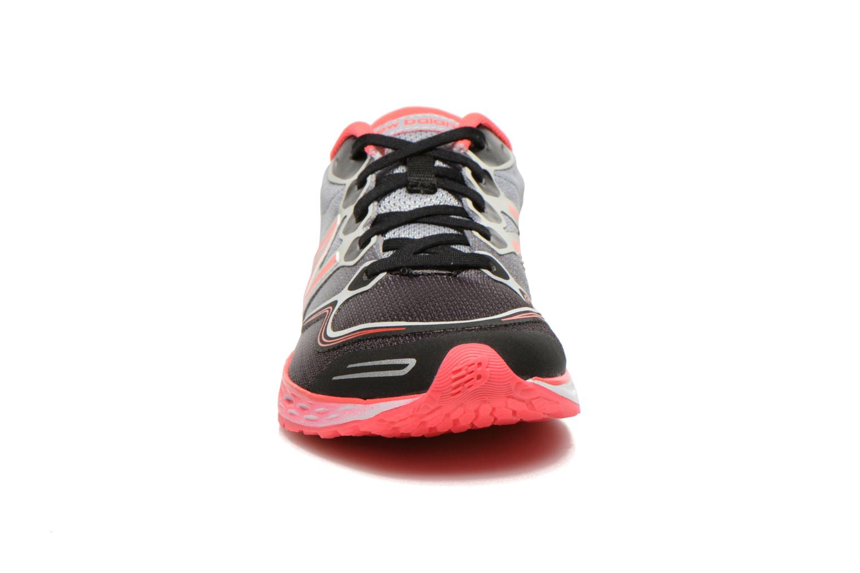 Baskets New Balance K1980 B Noir vue portées chaussures