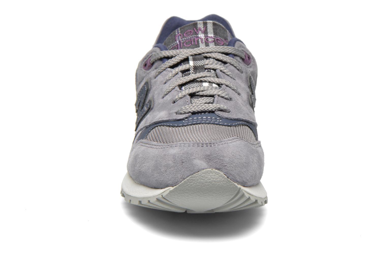 Baskets New Balance WL999 Gris vue portées chaussures