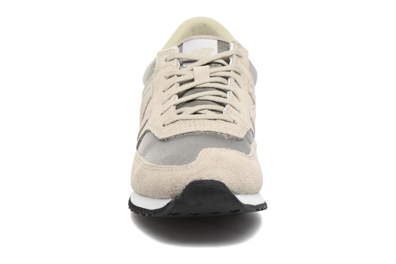 Baskets New Balance CW620 Gris vue portées chaussures