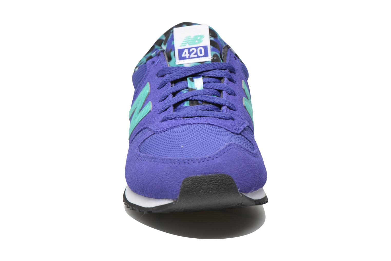 Baskets New Balance WL420 Bleu vue portées chaussures