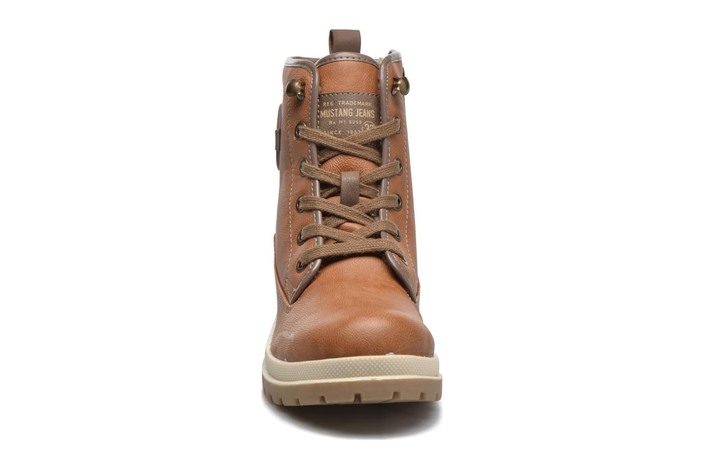 Bottines et boots Mustang shoes Lumia Marron vue portées chaussures