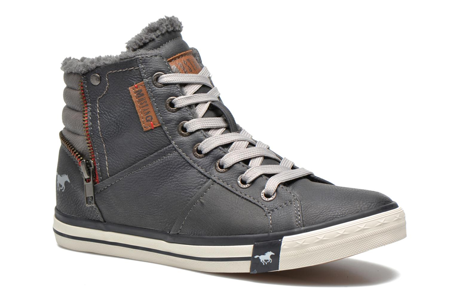 Trainers Mustang shoes Dana Grey detailed view/ Pair view