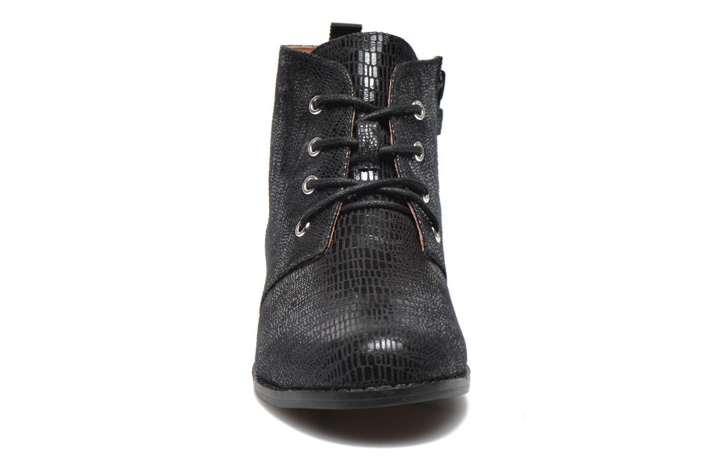 Boots Mellow Yellow Mntazelin Svart bild av skorna på