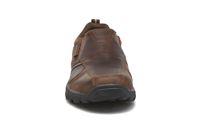 Loafers Skechers Superior Manlon 64590 Brun bild av skorna på