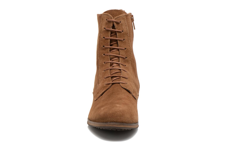 Bottines et boots Aigle Melven Marron vue portées chaussures