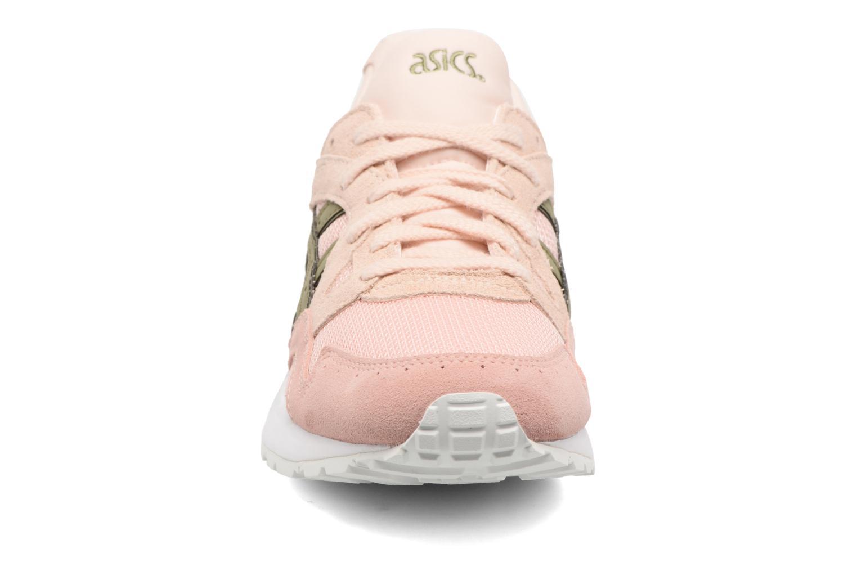 Baskets Asics Gel-Lyte V W Rose vue portées chaussures