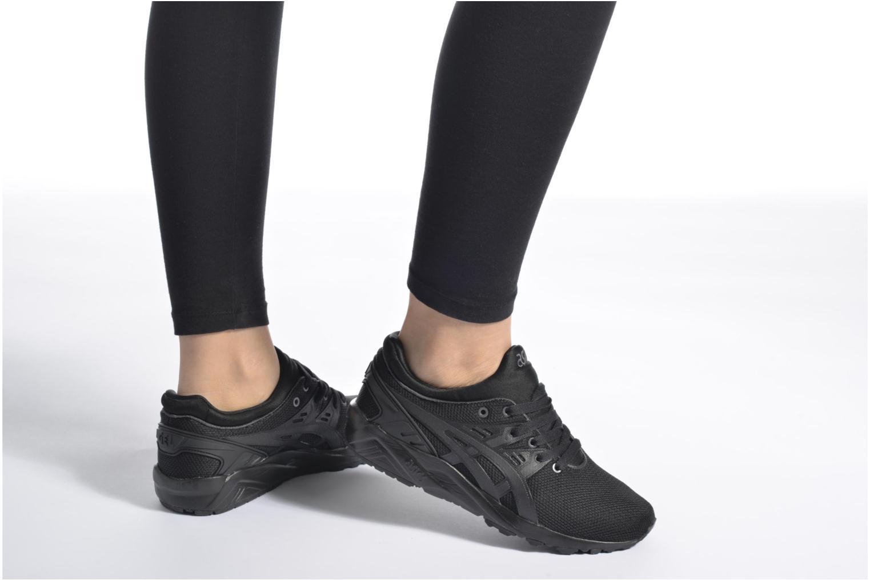 Sneaker Asics Gel-Kayano Trainer Evo W schwarz ansicht von unten / tasche getragen