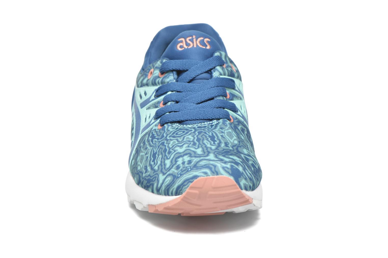 Baskets Asics Gel-Kayano Trainer Evo W Bleu vue portées chaussures