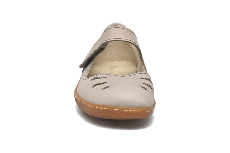Ballerina El Naturalista El Viajero 249 Grå bild av skorna på
