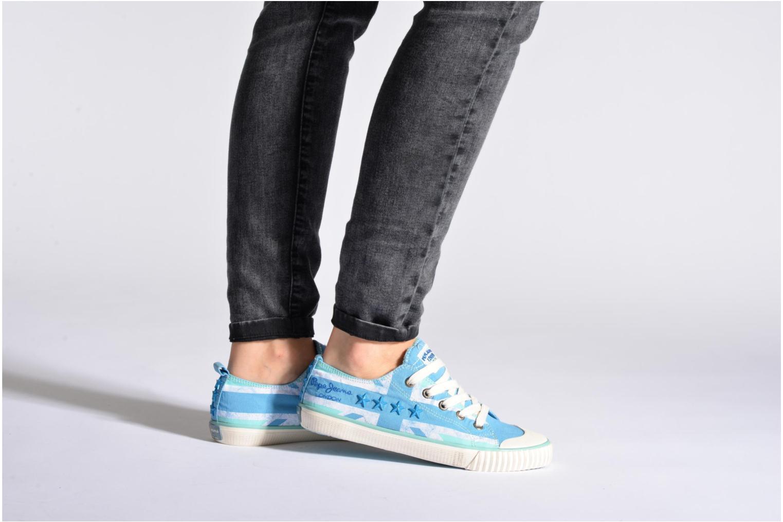 Baskets Pepe jeans Industry Flag Low Cut 2 Bleu vue bas / vue portée sac