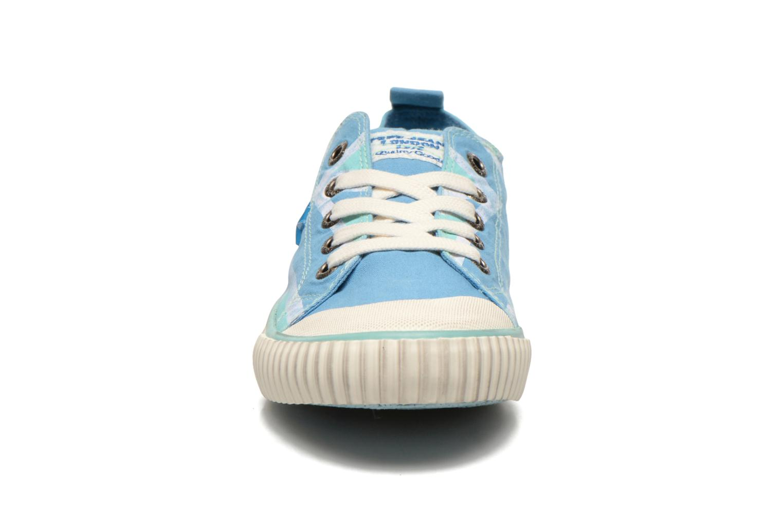 Trainers Pepe jeans Industry Flag Low Cut 2 Blue model view