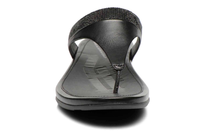 Infradito FitFlop Banda Micro Crystal Nero modello indossato