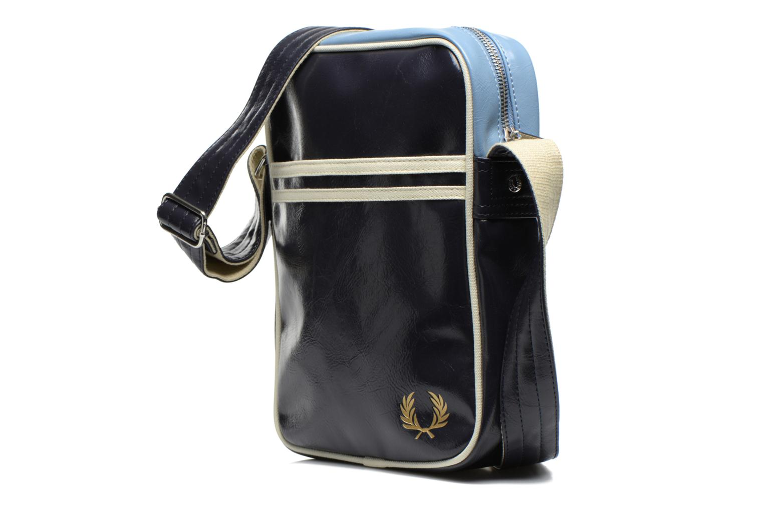 Sacs homme Fred Perry Classic side bag Bleu vue portées chaussures