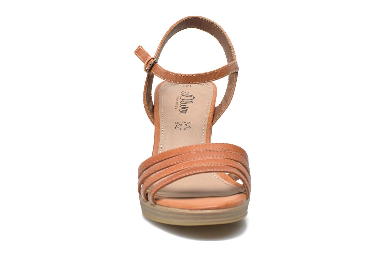 Sandales et nu-pieds S.Oliver Elsata Marron vue portées chaussures