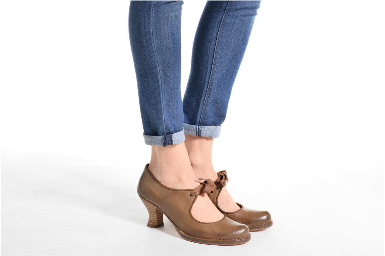 High heels Neosens Rococo S859 Brown view from underneath / model view