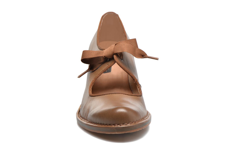 Escarpins Neosens Rococo S859 Marron vue portées chaussures