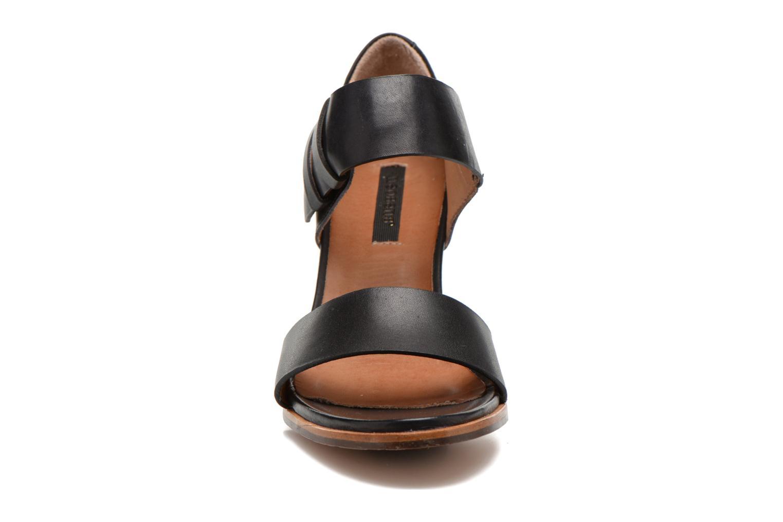 Sandals Neosens Gloria S198 Black model view