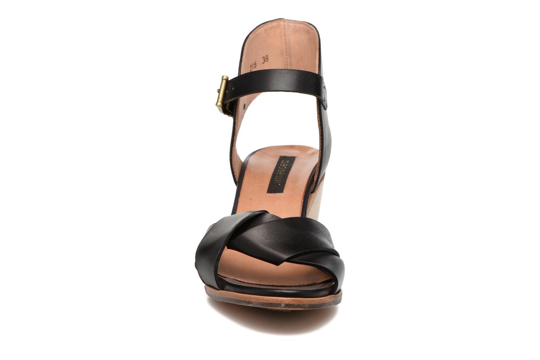 Sandali e scarpe aperte Neosens Noah S216 Nero modello indossato