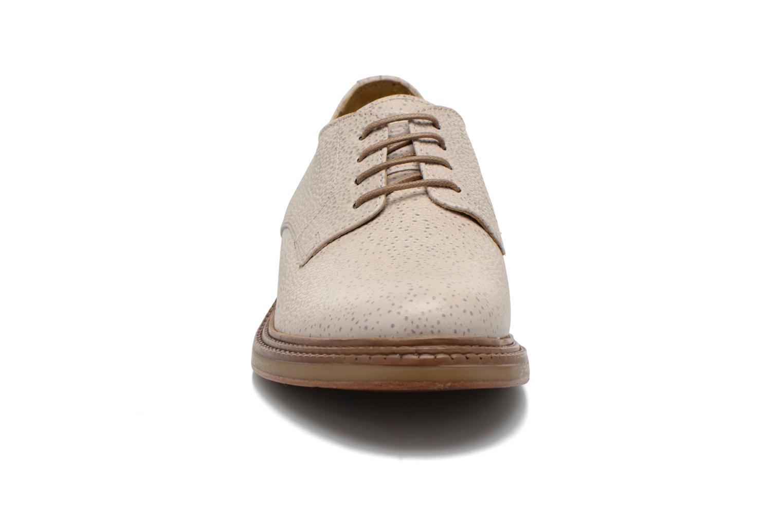 Chaussures à lacets Base London Invent Sinclair Beige vue portées chaussures