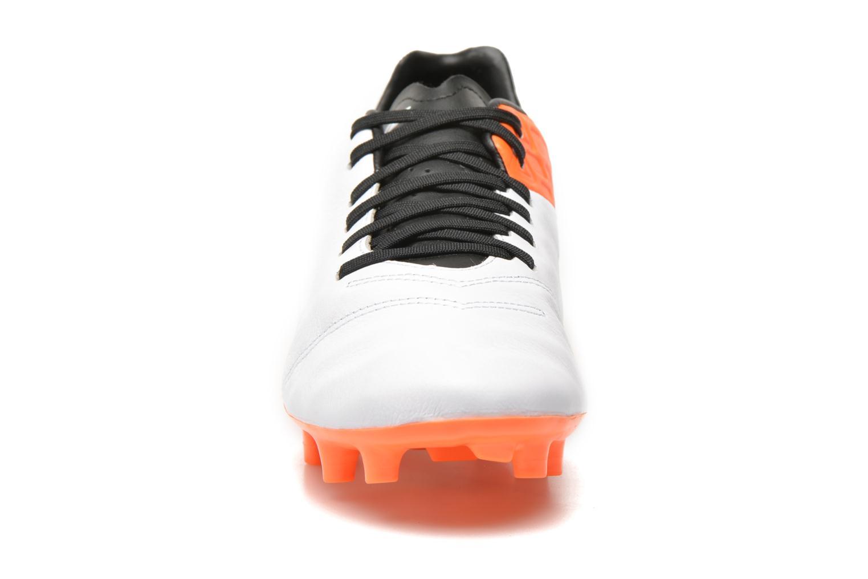 Chaussures de sport Nike Tiempo Mystic V Fg Blanc vue portées chaussures