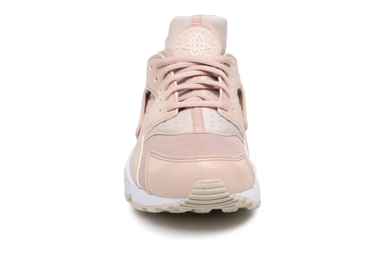 Baskets Nike Wmns Air Huarache Run Rose vue portées chaussures