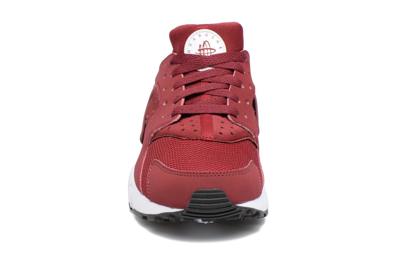 Baskets Nike Nike Huarache Run (Gs) Rouge vue portées chaussures