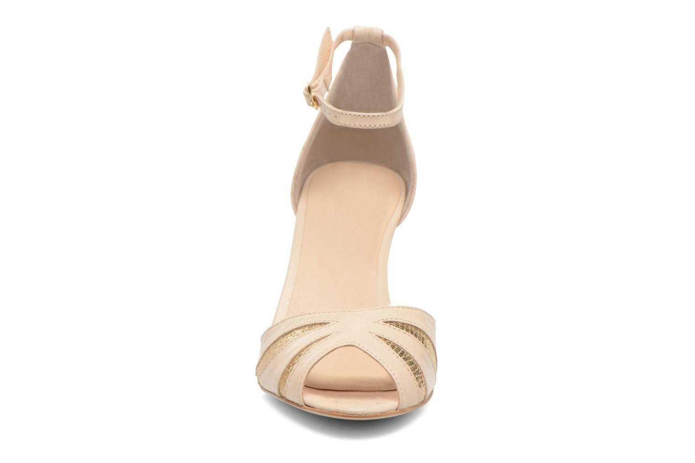 Sandales et nu-pieds Petite mendigote Barbade Beige vue portées chaussures