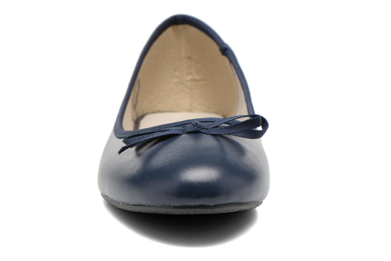 Ballerines Elizabeth Stuart Castel 851 Bleu vue portées chaussures