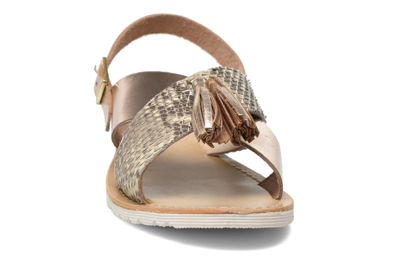Sandali e scarpe aperte Elizabeth Stuart Polka 882 Oro e bronzo modello indossato