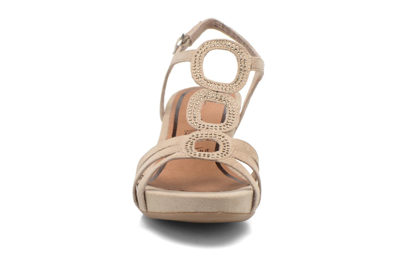 Sandales et nu-pieds Tamaris Forbina Beige vue portées chaussures