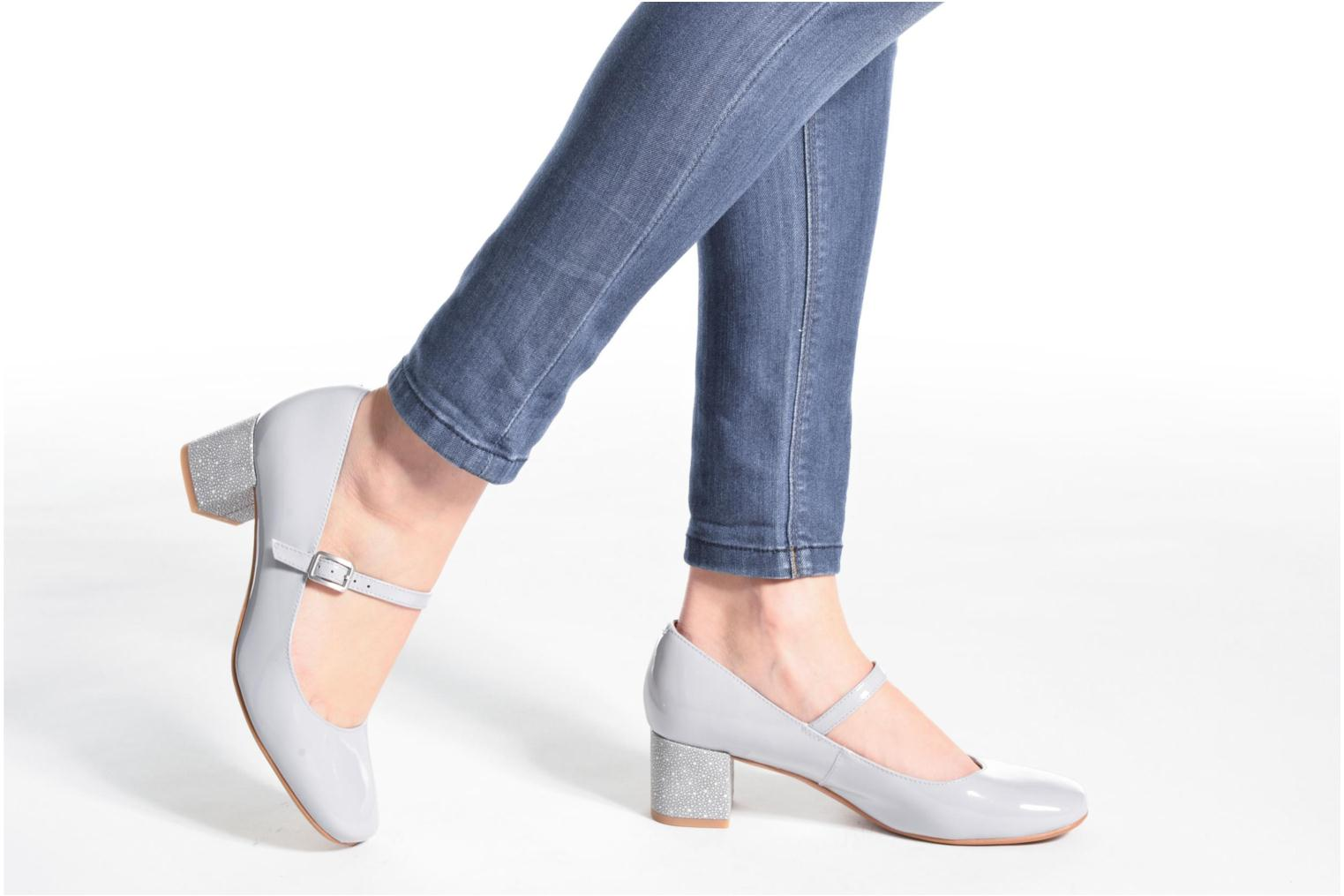 Chinaberry Pop Grey/blue