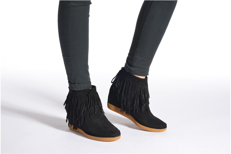 Bottines et boots Shoe the bear Emmy Fringes Marron vue bas / vue portée sac