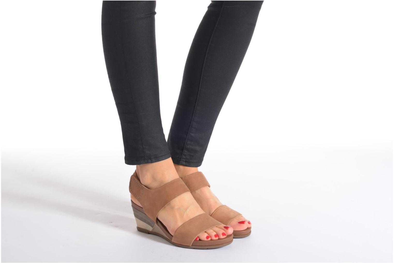 Sandales et nu-pieds Jana shoes Koga Marron vue bas / vue portée sac
