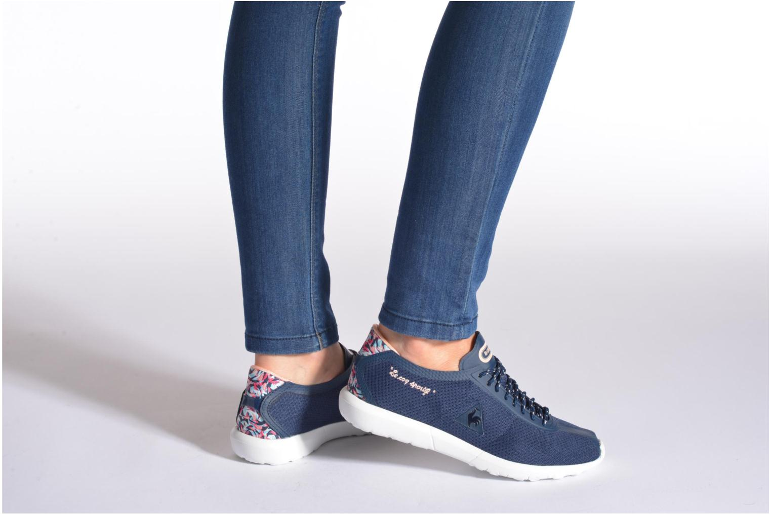 Trainers Le Coq Sportif Wendon Levity W Flower Jacquard Blue view from underneath / model view