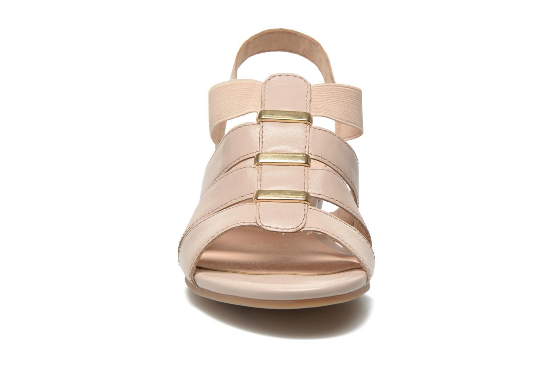 Sandales et nu-pieds Caprice Carla Beige vue portées chaussures