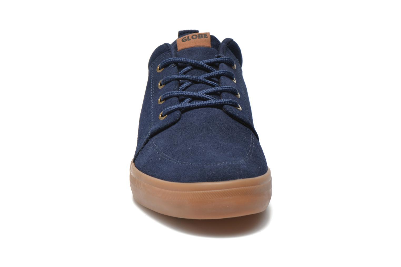Baskets Globe Gs Chukka Bleu vue portées chaussures