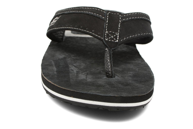 Tongs Globe Base Noir vue portées chaussures