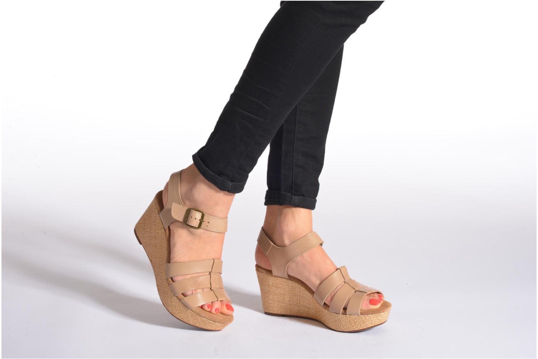 Sandales et nu-pieds Clarks Caslynn Harp Orange vue bas / vue portée sac