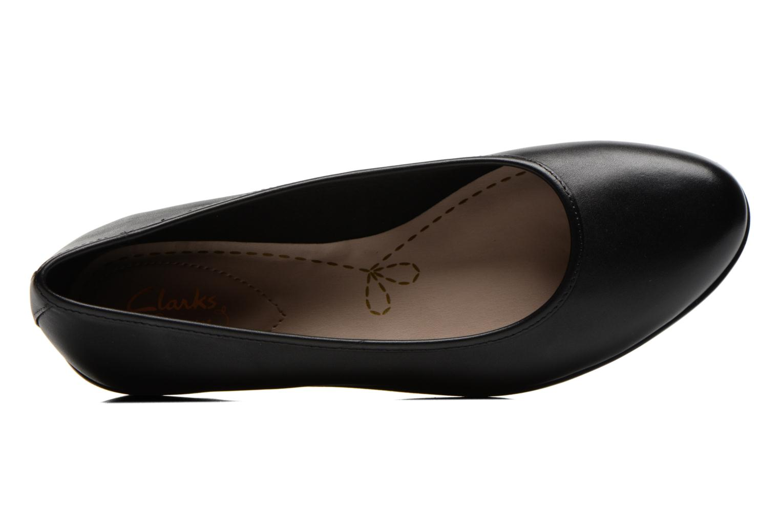 Ballet pumps Clarks Evie Buzz Black view from the left