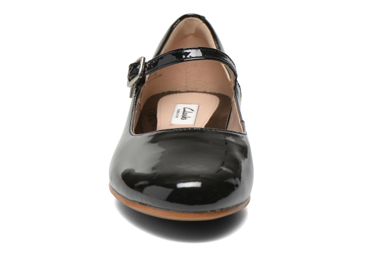 Ballerines Clarks Festival Glory Noir vue portées chaussures