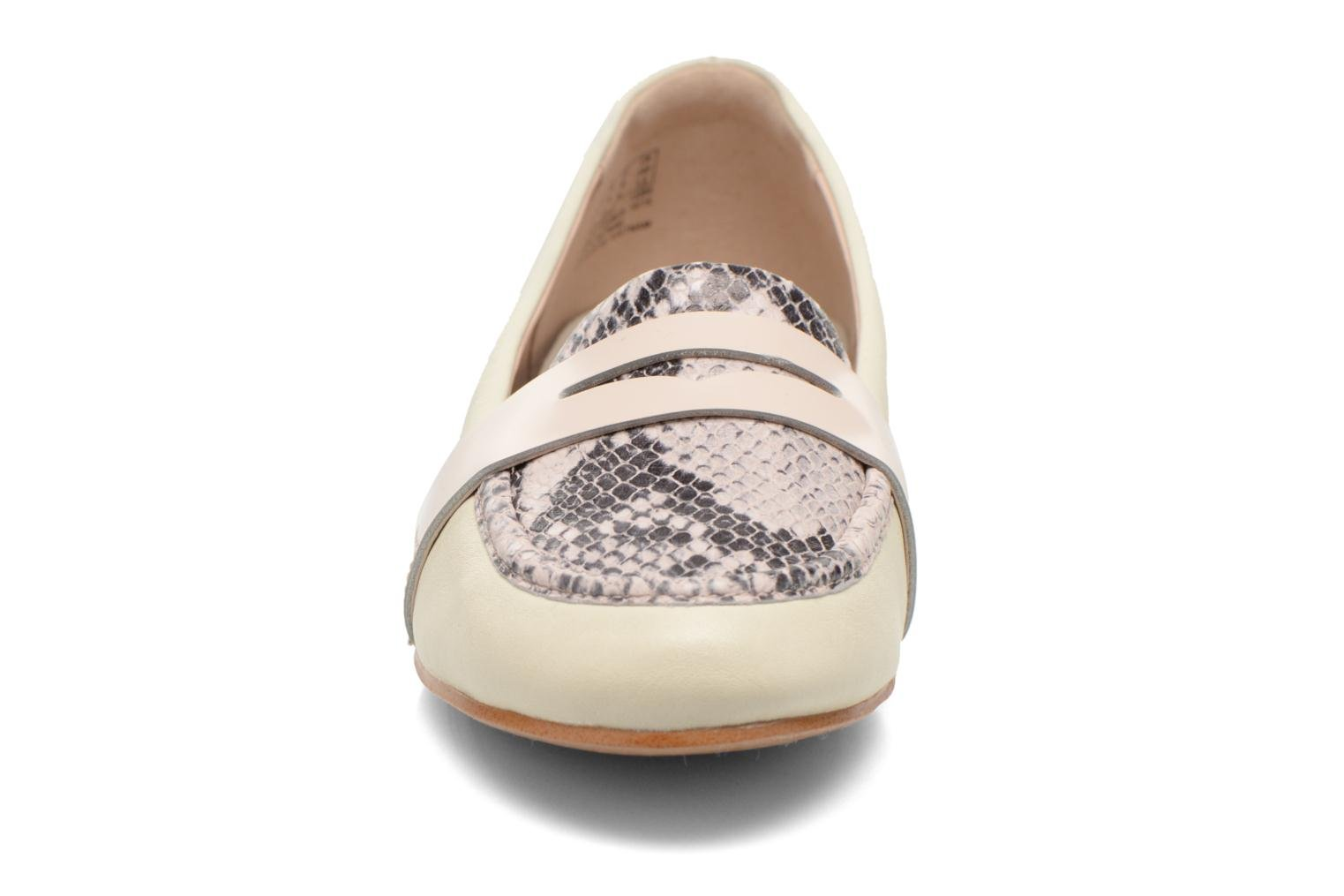 Loafers Clarks Festival Grace Beige model view
