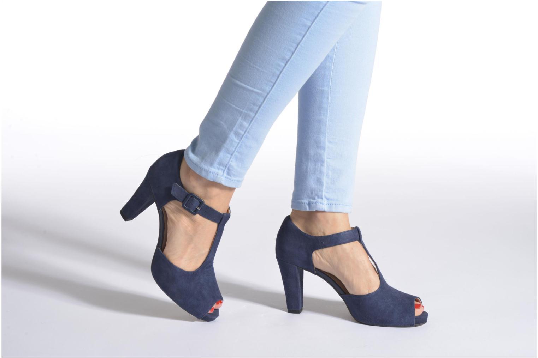 Zapatos de tacón Clarks Kendra Flower Beige vista de abajo