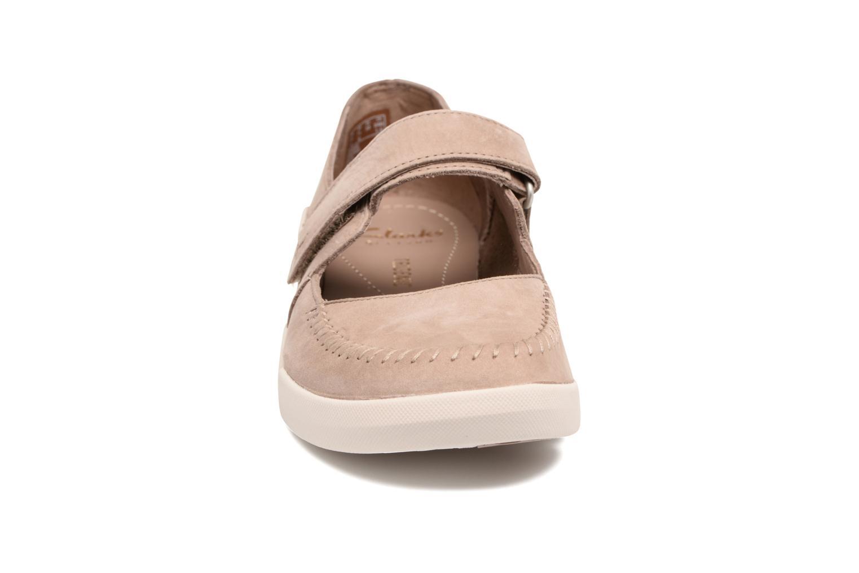 Ballerinaer Clarks Tri Amanda Brun se skoene på