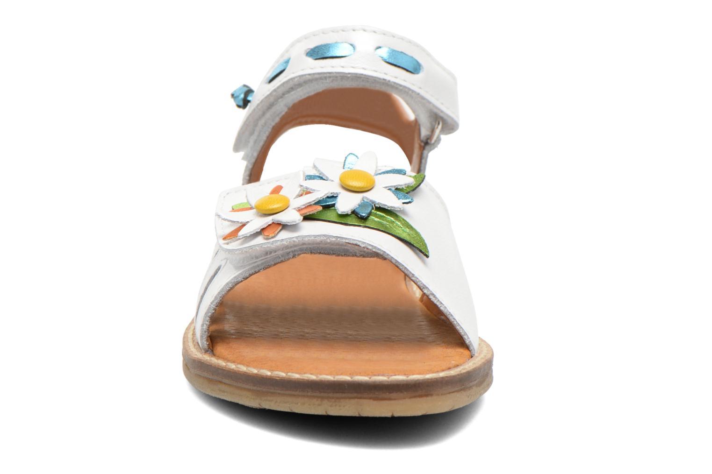 Sandalen Bopy Ecolor weiß schuhe getragen